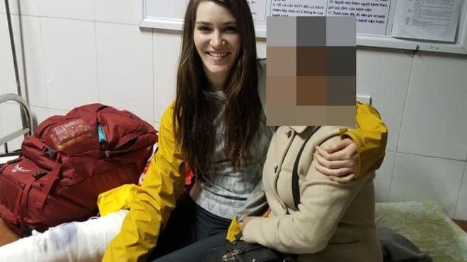 Heather Middleton và người phụ nữ Việt tốt bụng giúp đỡ cô
