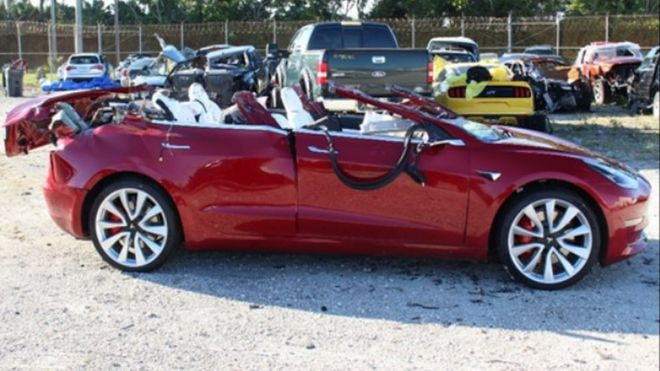 Tesla Model 3: Autopilot engaged during fatal crash - BBC News