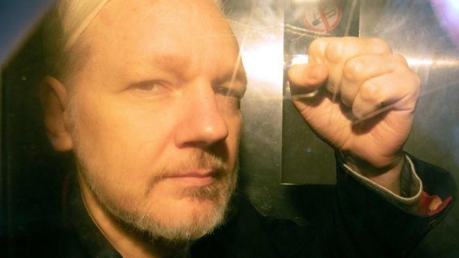 Julian Assange arrives at Southwark Crown CourtJulian Assange a su llegada a la corte de Southwark, Londres, donde se dictó la sentencia.