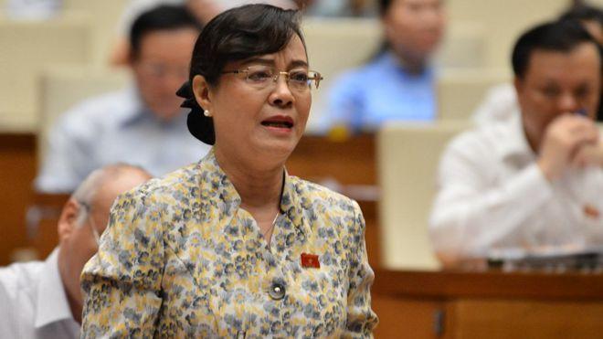 Đại biểu Nguyễn Thị Quyết Tâm tranh luận tại phiên thảo luận 23/10.