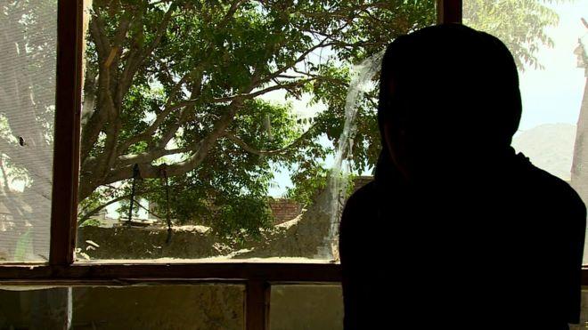 Os polêmicos testes de virgindade para jovens mulheres no Afeganistão