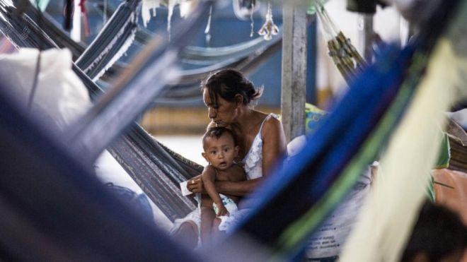 Mulher venezuelana e seu bebê no abrigo de Pintolândia em Boa Vista, Roraima, Março 2019.