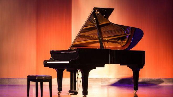 У пианистки Анджелы Хьюитт был уникальный рояль. Грузчики разбили его вдребезги