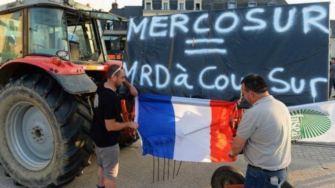 Agricultores protestam na França contra acordo da União Europeia com o Mercosul
