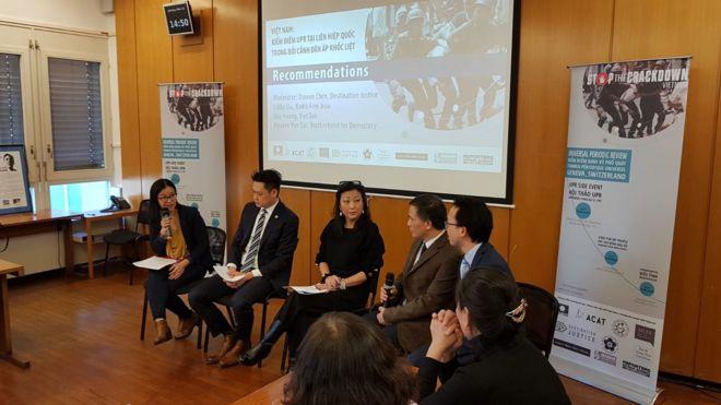 """Thành viên """"Nhóm Làm Việc UPR"""" tại cuộc hội thảo bên lề UPR tại Geneva hôm 21/1"""