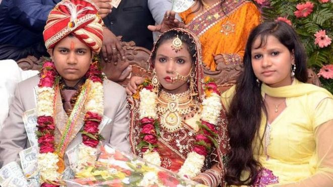 India woman held for 'posing' as groom for a dowry - BBC News