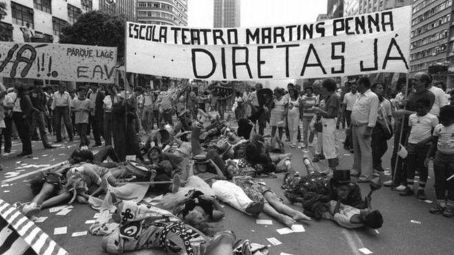 Estudantes pedem eleições diretas na década de 1980, no Rio