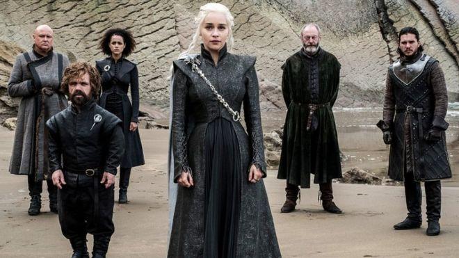 Lord Varys, Tyrion Lannister, Missandei, Daenerys Targaryen, Davos Seaworth y Jon Snow (Foto: HBO)