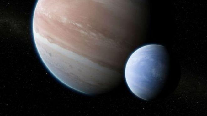 Es esta la primera luna fuera de nuestro sistema solar ...