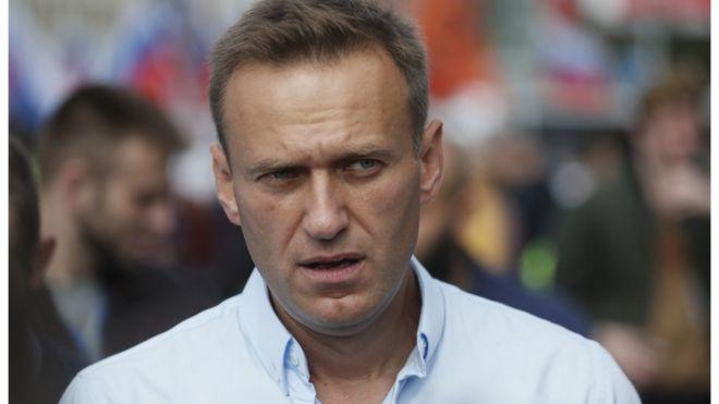 Бывшие сторонники «уничтожили» Навального