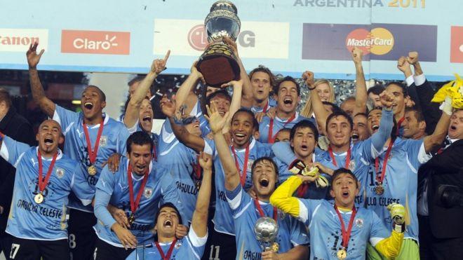 Los números que muestran por qué Uruguay es más grande en fútbol que Argentina