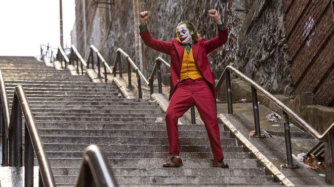 Joaquin Phoenix interpretando a The Joker