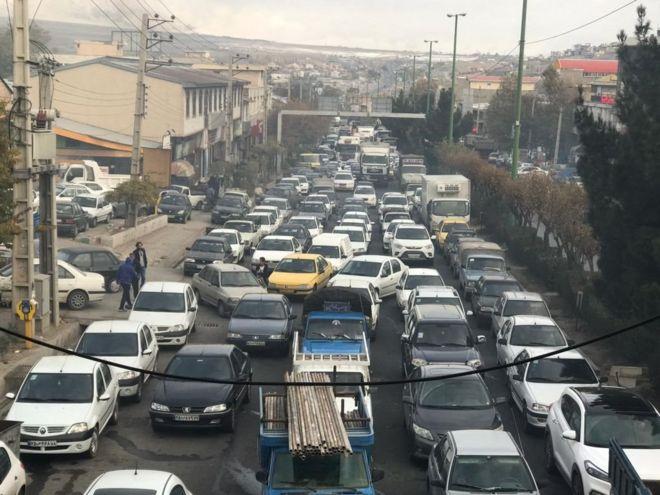 لماذا أقدمت إيران أسعار الوقود