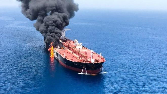 Crude oil tanker Front Altair on fire in the Gulf of Oman (13 June 2019)