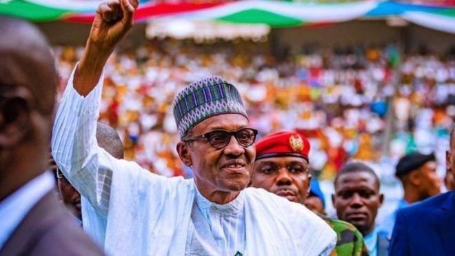 Ko Buhari zai daga hannun Ganduje a ziyararsa ta Kano? - BBC News Hausa