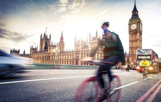 Bicicletas e ônibus