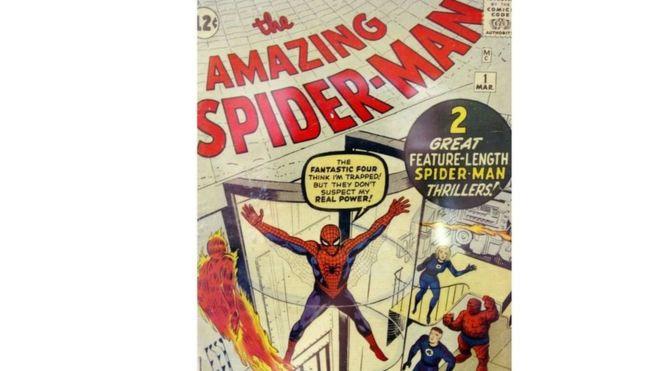 """وفاة مبتكر """"الرجل العنكبوت"""" عن عمر 90 عاما"""