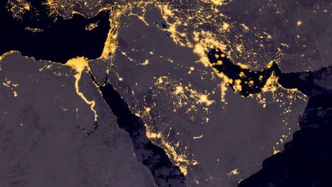 Imagem de satélite mostra região do Oriente Médio com luzes