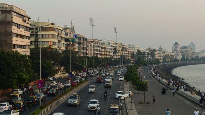 شارع ماريان المطل على البحر في مومباي