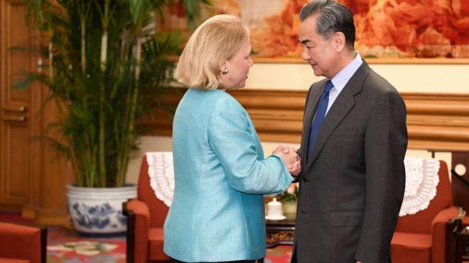Cựu thượng nghị sĩ Mary Landrieu vừa mới gặp Ngoại trưởng Trung Quốc Vương Nghị hôm 30/4
