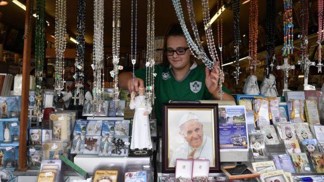 Папские сувениры