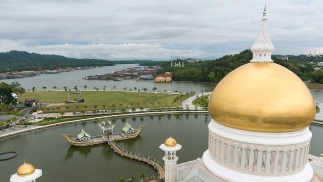 Inside the silent nation of Brunei - BBC News