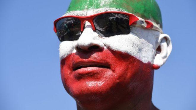 Hombre con bandera mexicana