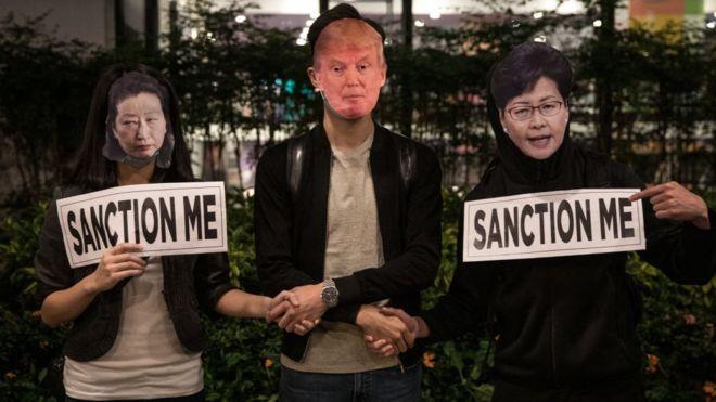 Người biểu tình Hong Kong thúc giục Mỹ sớm trừng phạt các quan chức thành phố vi phạm nhân quyền