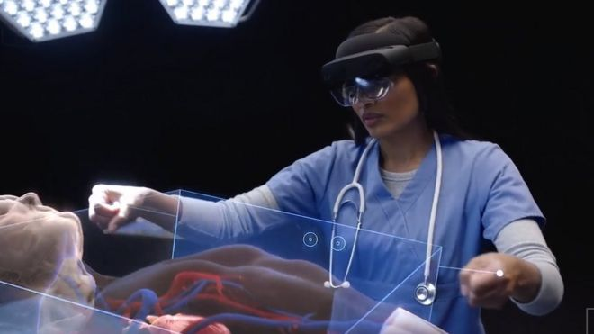 Text To Speach (TTS) en lewensgetroue hologramme met Microsoft Hololens 2
