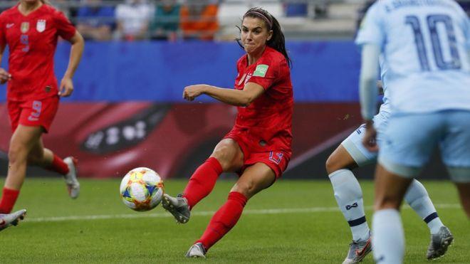 جام جهانی زنان: الکس مورگان، مهاجمی که از فوتبال فراتر رفته است - تام گری خبرنگار بیبیسی در فرانسه
