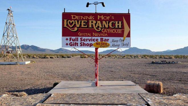 Билборд законно работающего борделя в Лас-Вегасе, штат Невада