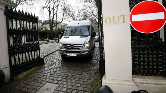 Expelled Russian diplomats leave Britain in spy poisoning standoff