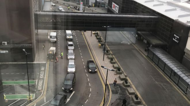 Manchester Airport T3 Parking >> Manchester Airport Axes Free Kiss And Fly Drop Off Parking Lanes