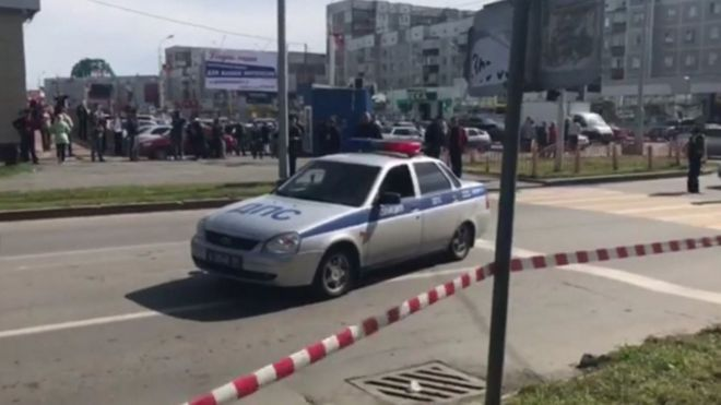 A Russian policemen at the scene of a knife attack in Surgut - 19 August 2017