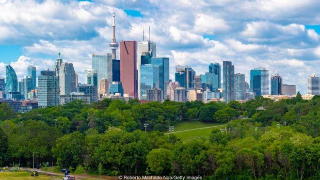 Dân số Toronto tăng thêm hơn 100.000 người mỗi năm