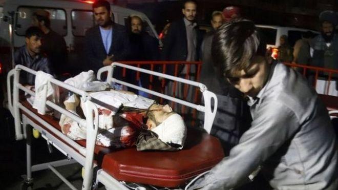 انتحاري يفجر نفسه في احتفال بالمولد النبوي في كابول ويقتل العشرات