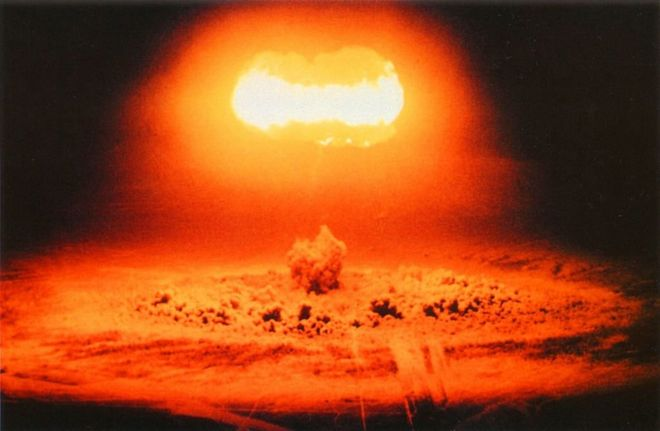 US Nuclear device (bomb) test 'Stokes ' 7 August 1957