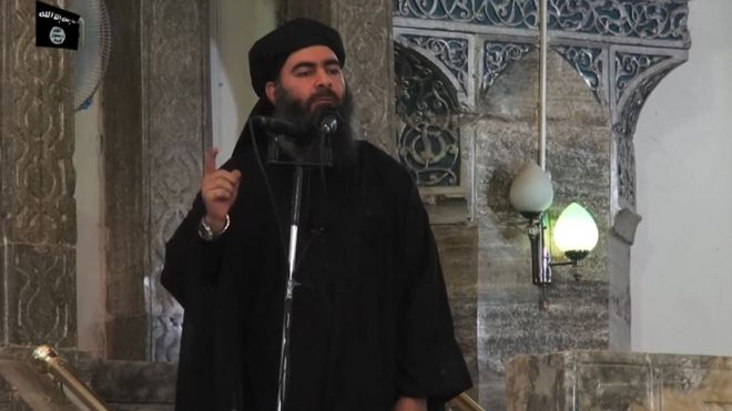 Baghdadi addressing crowd in Mosul, 2014