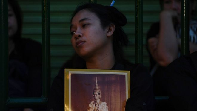Thai mourners