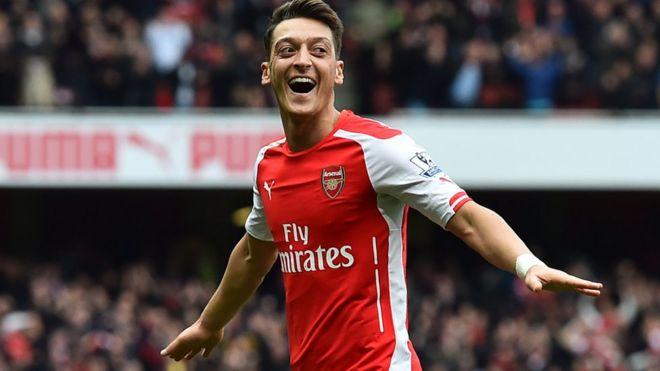 Mesut Ozil ya tsawaita zamansa a Arsenal - BBC News Hausa