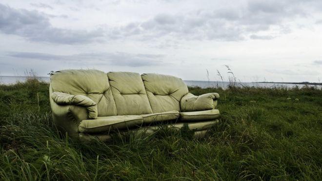 Resultado de imagem para old couch