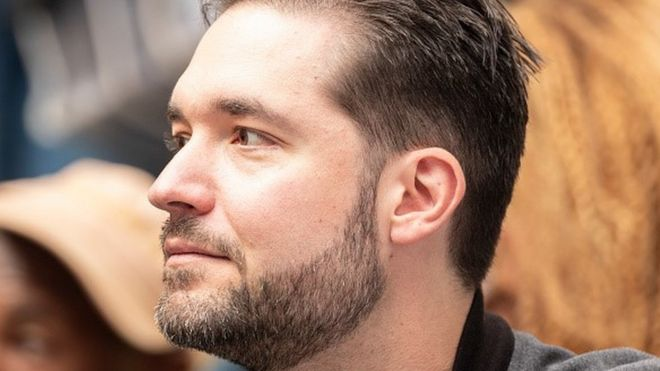 George Floyd: Reddit co-founder quits board and asks for black replacement