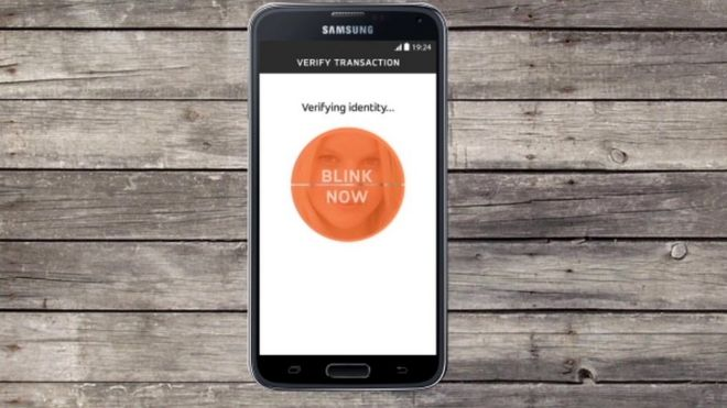 MWC 2016: Mastercard rolls out selfie ID checks - BBC News