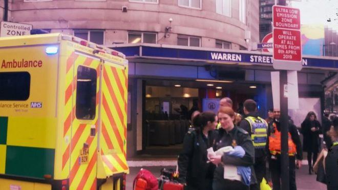 沃伦街车站的救护车和护理人员