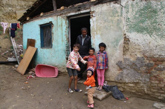 In pictures  Roma slums in Romania and Slovakia - BBC News c95ed4dfa98