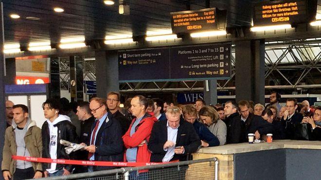 Paddington station: Passengers face major disruption - BBC News