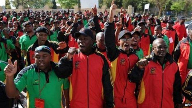 Wafanyikazi wa COSATU Afrika Kusini wamtaka Zuma Kujiuzulu