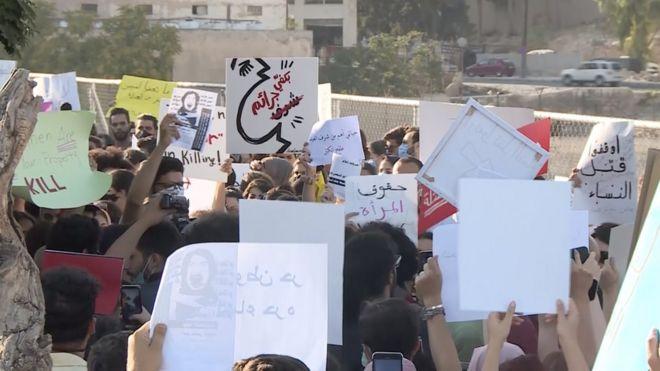 مظاهرة في عمان ضد جرائم العنف بحق المرأة