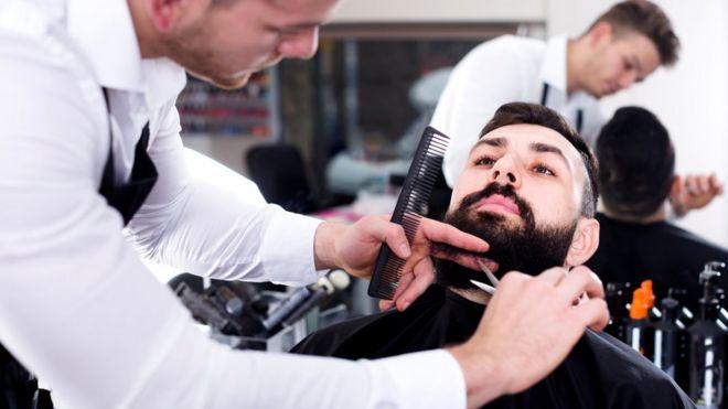 Если ваша фамилия Барбер, то, возможно, кто-то из ваших предков брил бороды