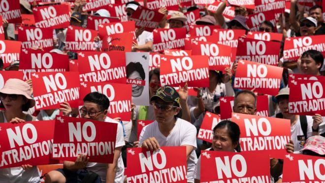 Hàng trăm ngàn người đã xuống đường phản đối dự luật dẫn độ